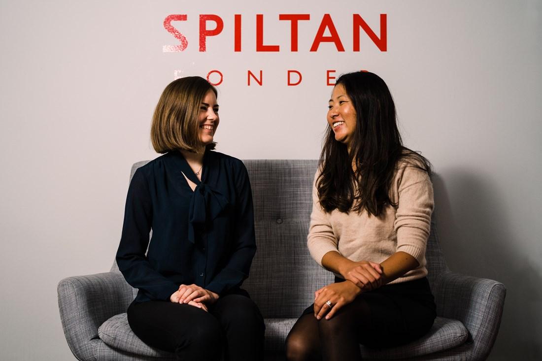 Från höger, Rebecka Dahlin, hållbarhetsanalytiker och Emma Englén, hållbarhetsansvarig.